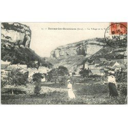 carte postale ancienne 39 BAUME-LES-MESSIEURS. Le Villagre 1907 avec Femmes