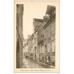 carte postale ancienne 39 DOLE. Rue et Maison Pasteur