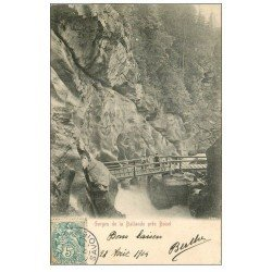 carte postale ancienne 73 BOZEL. Gorges de la Ballande 1904 personnages sur le Pont