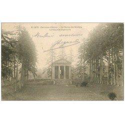 carte postale ancienne 56 AURAY. Champ des Martyrs Chapelle expiatoire 1909