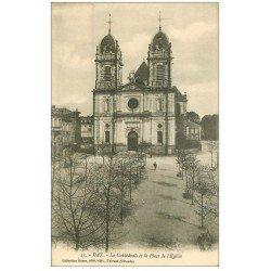 carte postale ancienne 40 DAX. Cathédrale Place Eglise