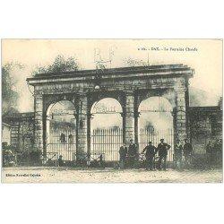 carte postale ancienne 40 DAX. Cyclistes Fontaine Chaude