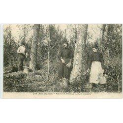 carte postale ancienne 40 LANDES. Résinier et Résinières récolte de la gemme 1918. Vieux métiers dans la Forêt