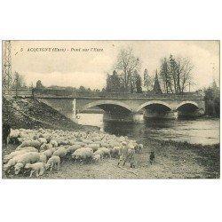 carte postale ancienne 27 ACQUIGNY. Pont et Troupeau de Moutons