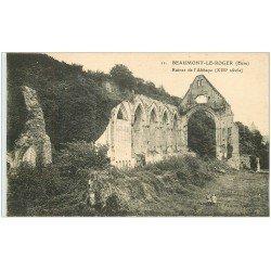 carte postale ancienne 27 BEAUMONT-LE-ROGER. Abbaye Ruines et Enfants