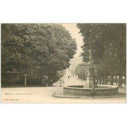 carte postale ancienne 27 BERNAY. Fontaine Boulevard Dubus vers 1900