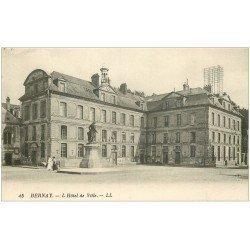 carte postale ancienne 27 BERNAY. Hôtel de Ville