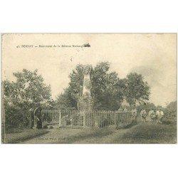 carte postale ancienne 27 BERNAY. Monument Défense Nationale Tambours Militaires1915