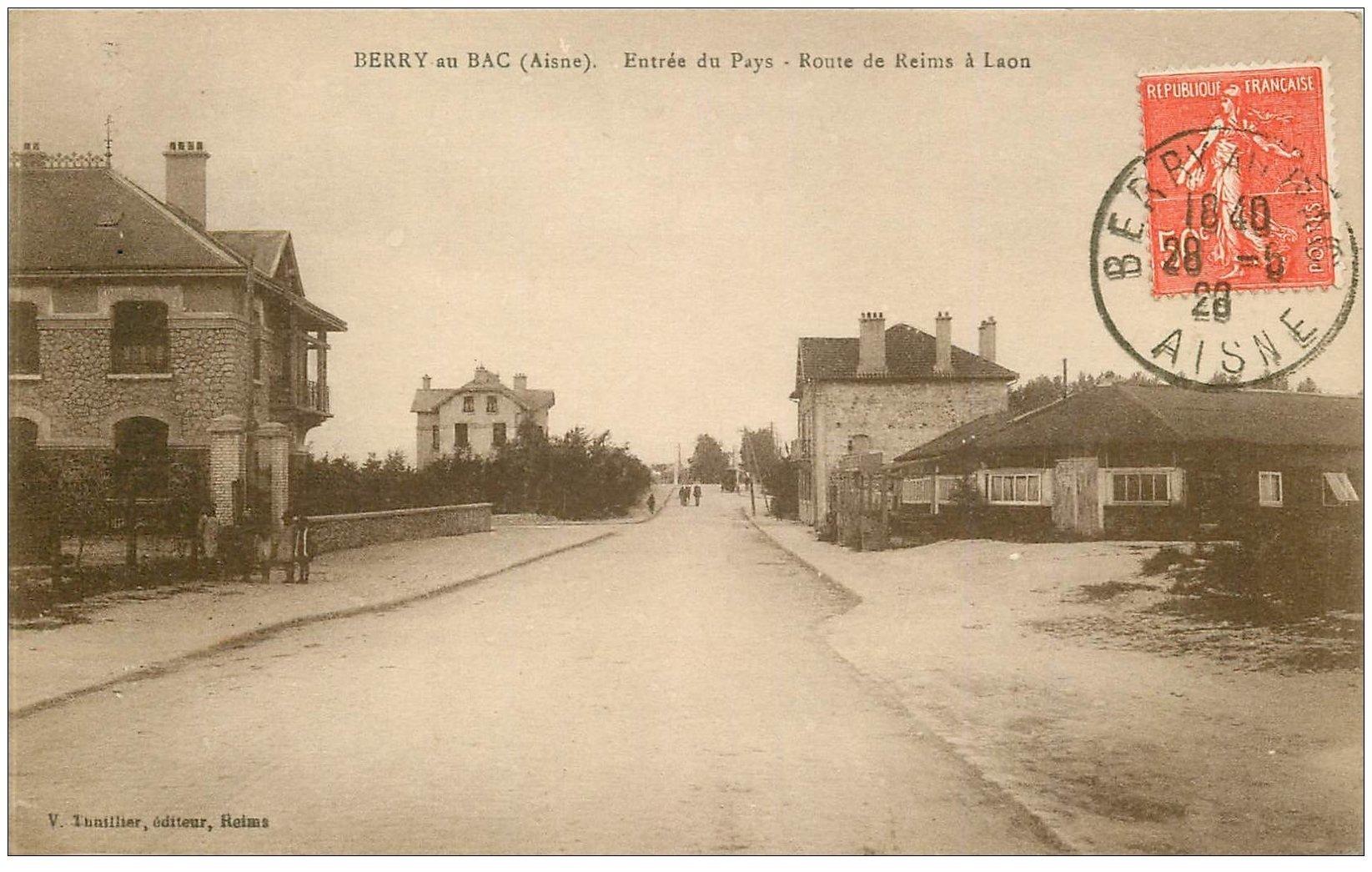 carte postale ancienne 02 BERRY-AU-BAC. L'Entrée, Route de Reims à Laon 1928
