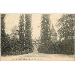 carte postale ancienne 27 CONDE-SUR-ITON. Château 1904 Entrée