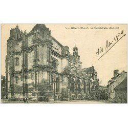carte postale ancienne 27 GISORS. Cathédrale 1921 animation
