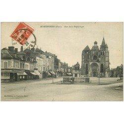 carte postale ancienne 27 LE NEUBOURG. Rue de la République 1922