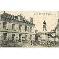 carte postale ancienne 27 LE VAUDREUIL. Mairie et Statue Duval 1918