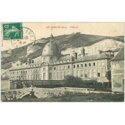 carte postale ancienne 27 LES ANDELYS. Hôpital et Voiture décapotable 1910 animation