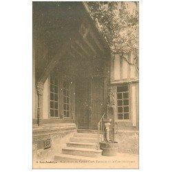 carte postale ancienne 27 LES ANDELYS. Hostellerie du Grand Cerf Fontaine Cour