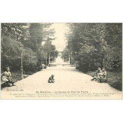 carte postale ancienne 08 CHARLEVILLE MEZIERES. Square du Pont de Pierre. Jeux d'Enfants