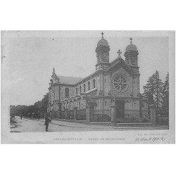 carte postale ancienne 08 CHARLEVILLE. L'Eglise du Sacré-Coeur 1902 avec Facteur