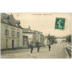 carte postale ancienne 27 PACY-SUR-EURE. L'Entrée du Pays. Relais Ecurie. Pour Meaux vers 1915