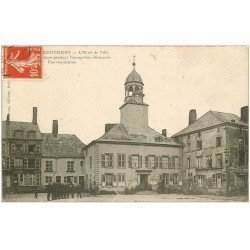 carte postale ancienne 08 DONCHERY. Soldats allemands Hôtel de Ville 1906. Hôtel Café Courtois