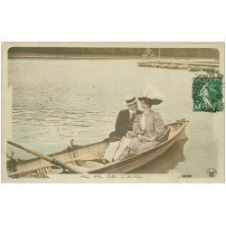 carte postale ancienne 02 BOHAIN-en-Vermandois. Au fil de l'eau. Amoureux sur une barque 1914. Carte Photo