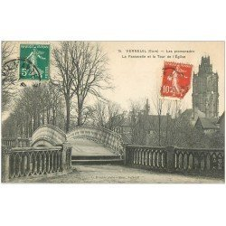 carte postale ancienne 27 VERNEUIL-SUR-AVRE. Passerelle et Tour Eglise 1910