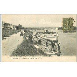carte postale ancienne 27 VERNON. Bateaux sur la Seine et Pont de Fer 1918