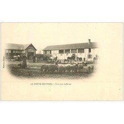 carte postale ancienne 41 LAMOTTE-BEUVRON. Cour de Ferme vers 1900