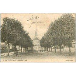 carte postale ancienne 41 LAMOTTE-BEUVRON. Roulotte Place de l'Eglise vers 1900
