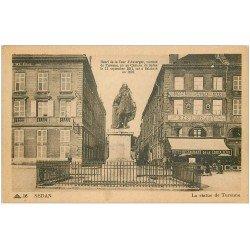 carte postale ancienne 08 SEDAN. La Statue de Turenne 1948. Hôtel Restaurant de la Croix
