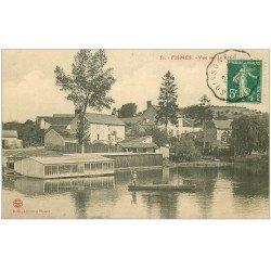 carte postale ancienne 51 FISMES. Passeur sur la Vesles 1912