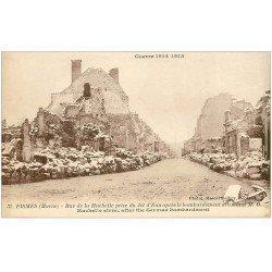 carte postale ancienne 51 FISMES. Rue de la Huchette