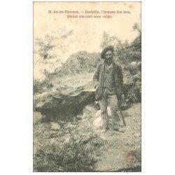 carte postale ancienne 09 AX-LES-THERMES. Casteilla l'Homme des Bois devant son abri sous roche