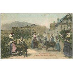 carte postale ancienne 09 BETHMALE. Chevrière, Fileuse et Laitier au Village 1905