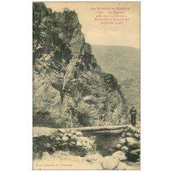 carte postale ancienne 09 CASTELET. Promeneur Passerelle à l'Entrée du Ravin de Lagal
