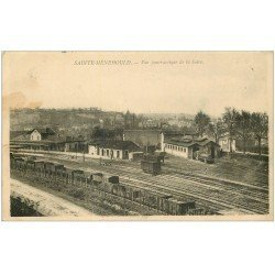 carte postale ancienne 51 SAINTE-MENEHOULD. La Gare. Tampon Militaire 1915