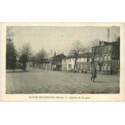 carte postale ancienne 51 SAINTE-MENEHOULD. Militaire Avenue de la Gare 1918