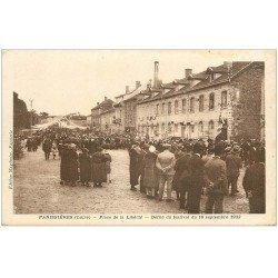 carte postale ancienne 42 PANISSIERES. Défilé Festival 1933 Place de la Liberté