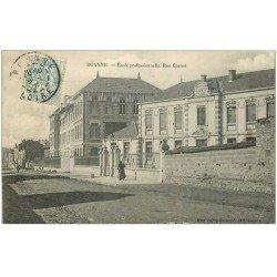 carte postale ancienne 42 ROANNE. Ecole Rue Carnot 1905