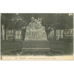 carte postale ancienne 42 ROANNE. Monument des Pauvres Gens