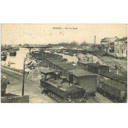 carte postale ancienne 42 ROANNE. Port du Canal 1909. Locomotive à vapeur, Vagons et Péniches