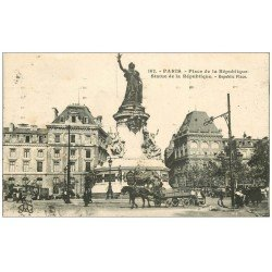 carte postale ancienne 75 PARIS 10. Place de la République 1932