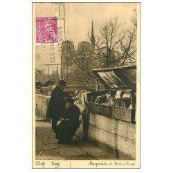 carte postale ancienne PARIS 04. Bouquiniste sur les Quais