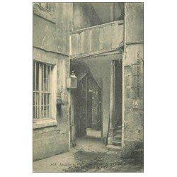 carte postale ancienne PARIS 04. Cour 26 Rue de l'Hôtel de Ville