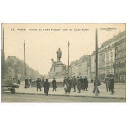 carte postale ancienne PARIS 11. Statue Floquet Boulevard Jules Ferry 1913