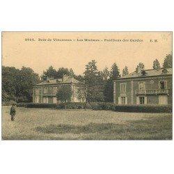 carte postale ancienne PARIS 12. Bois Vincennes. Les Minimes Pavillons des Gardes