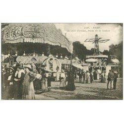 carte postale ancienne PARIS 12. Fête Foraine Place de la Nation. Manèges et Tourniquet