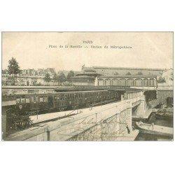 carte postale ancienne PARIS 12. Le Métropolitain Place de la Bastille 1905