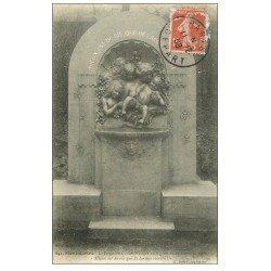 carte postale ancienne PARIS 18. Fontaine Gauloise Square Saint-Pierre 1908