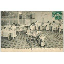 carte postale ancienne PARIS 18. Hôpital Lariboisière. Salle des Pansements 1911