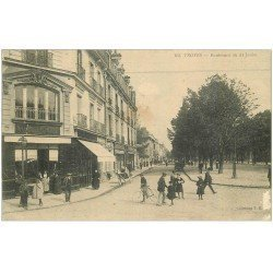 carte postale ancienne 10 TROYES. Boulevard du 14 Juillet 1914 (petit blanc)...